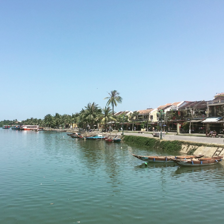 Visiting Hoi An's Ancient Town's Market by Boat with Ms Vy's Cooking School