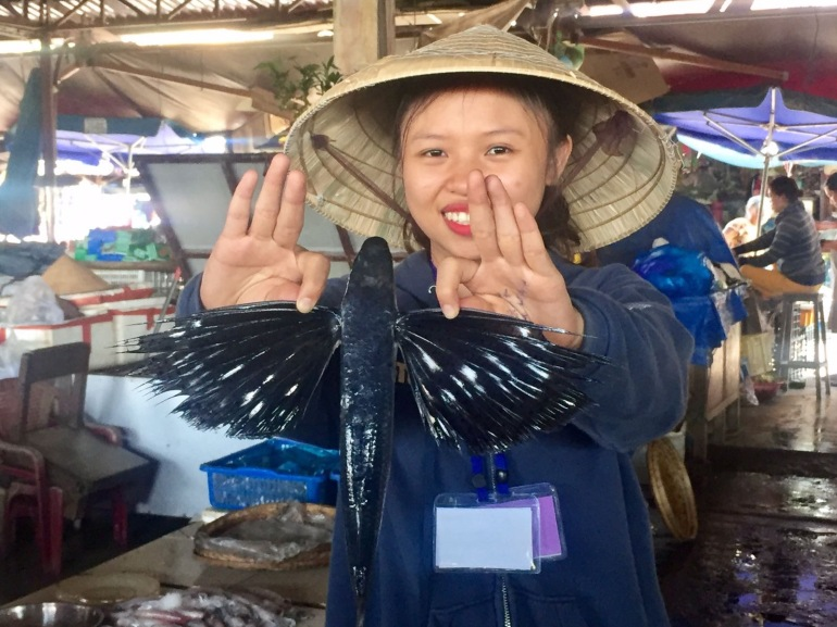 Touring the Seafood Market with Ms Vy's Cooking School